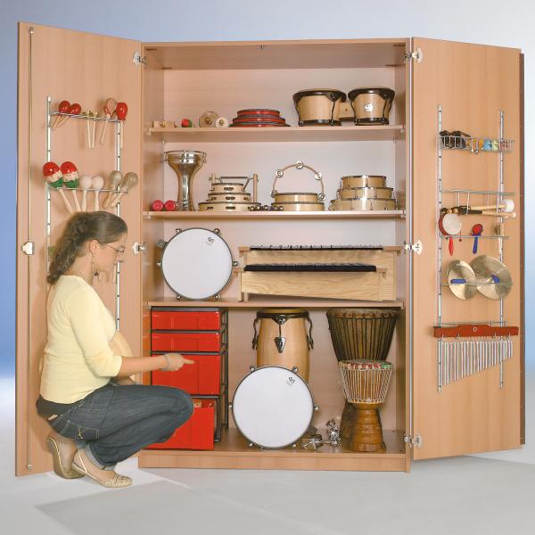Zweitüriger Musikschrank mit InBoxen, 3 Einlegeböden, fahrbar, B/H/T: 120x190x60cm