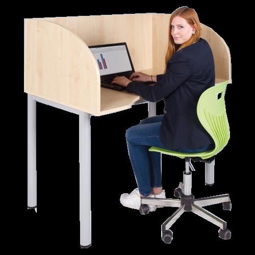 Arbeitstisch mit Sichtblende und Körperausschnitt
