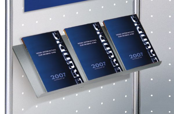 Schrägboden zur Prospektpräsentation B: 75 x T: 31 cm / Zubehör für Lochblech-Element KE-6966